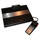 une photo de machine de jeu: Atari 7800