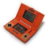 une photo de machine de jeu: Nintendo Game and Watch