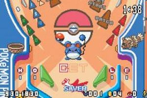 une image du jeu pokemon pinball ruby and sapphire sur nintendo game boy advance